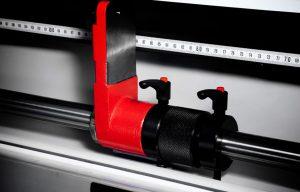 Tope de ajuste fino y robusto para cortes verticales